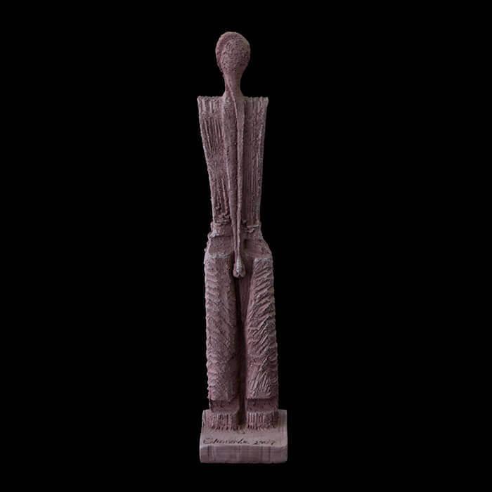 Fen Mugüerza - escultora ceramista - Taller de arte en Ourense - hombre