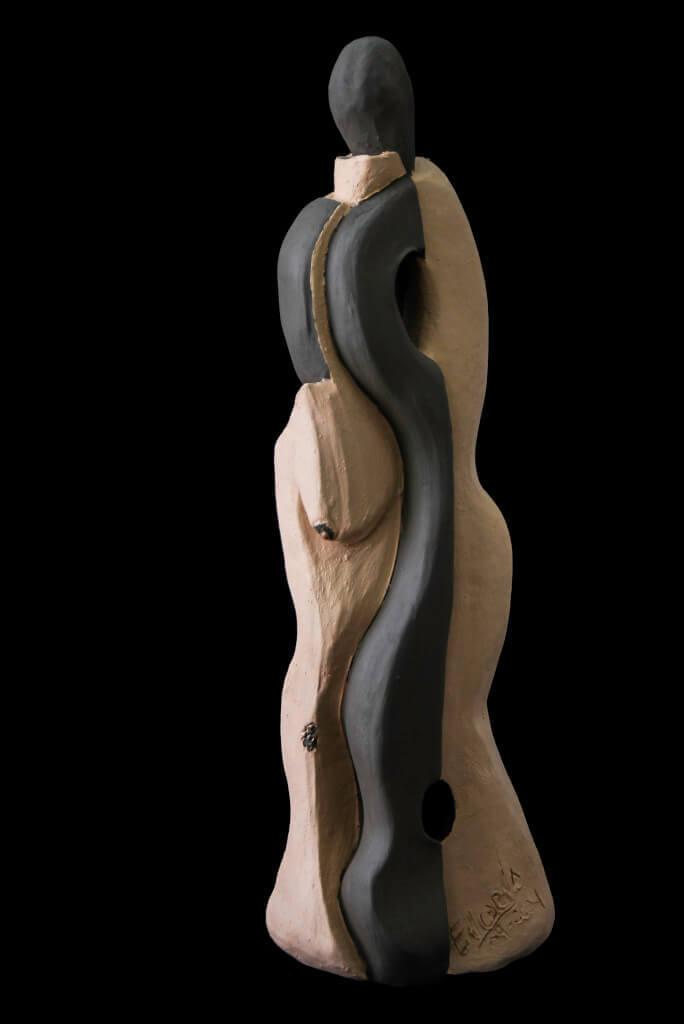 Fen Mugüerza - escultora ceramista - Taller de arte en Ourense - alma de mujer