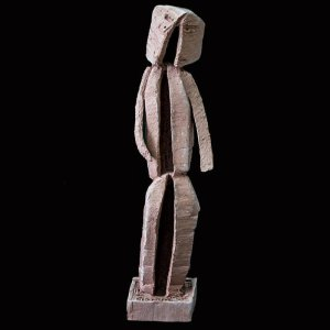 Fen Mugüerza - escultora ceramista - Taller de arte en Ourense - PIEZA UNICA de Terracota, es un regalo exclusivo y un regalo original. Regalo para boda especial. Ceramica contemporanea realizada en pasta gres o arcilla cocida a 1.000 ºC y con los detalles pintados con barbotinas y pintura al agua. Compra pieza de ceramica. compra escultura de ceramica