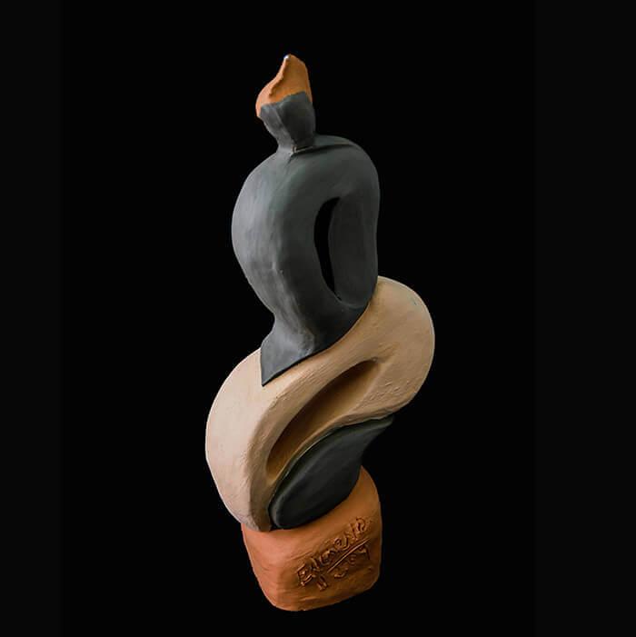 Fen Mugüerza - escultora ceramista - Taller de arte en Ourense - Alma do Brasil