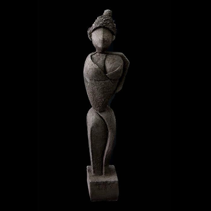 Fen Mugüerza - escultora ceramista - Taller de arte en Ourense - mujer