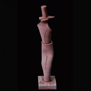 Fen Mugüerza - escultora ceramista - Taller de arte en Ourense - Sombrero de copa