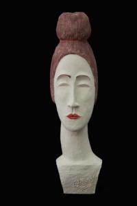 Fen Mugüerza - escultora ceramista - Taller de arte en Ourense - Dama con moño
