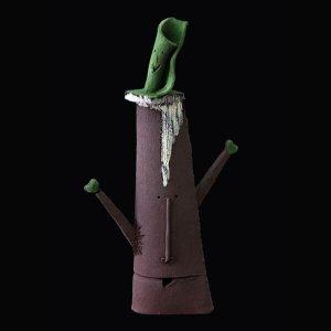 Fen Mugüerza - escultora ceramista - Taller de arte en Ourense - PIEZA ÚNICA de Terracota, es un regalo exclusivo, regalo original, de cerámica contemporánea realizada en pasta gres cocida a 1.000 ºC y con los detalles pintados con barbotinas y pinturas al agua